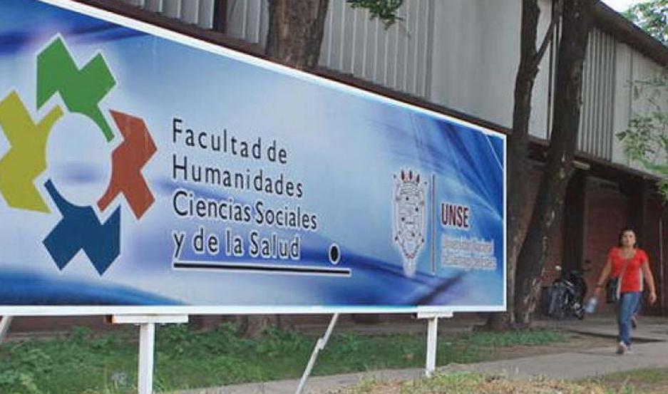 SEDE. El curso se dictará en el aula laboratorio de Informática.