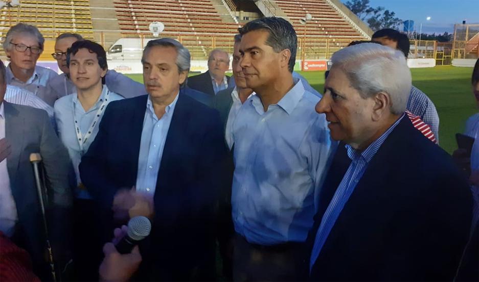 Neder acompañando a Alberto Fernández en el cierre de campaña.