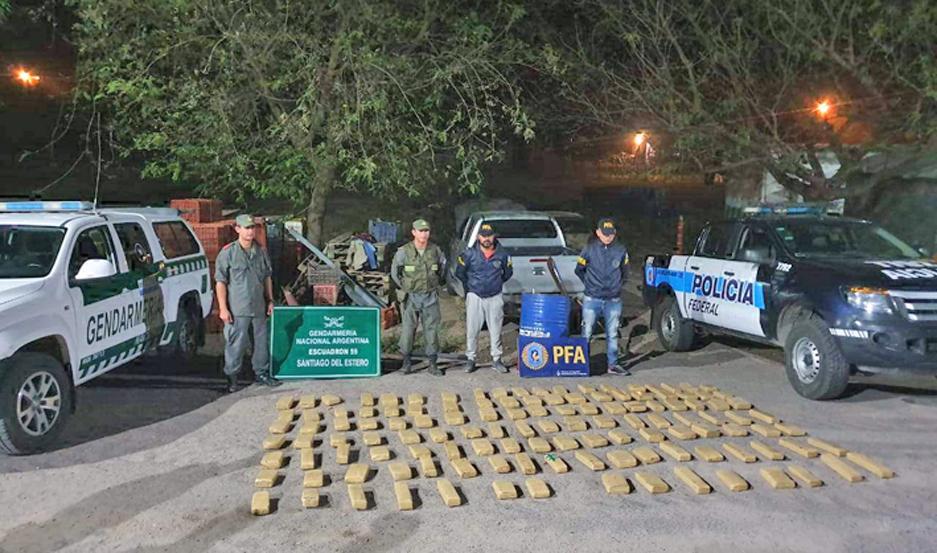El procedimiento contó con la participación de Gendarmería Nacional y la Policía Federal.