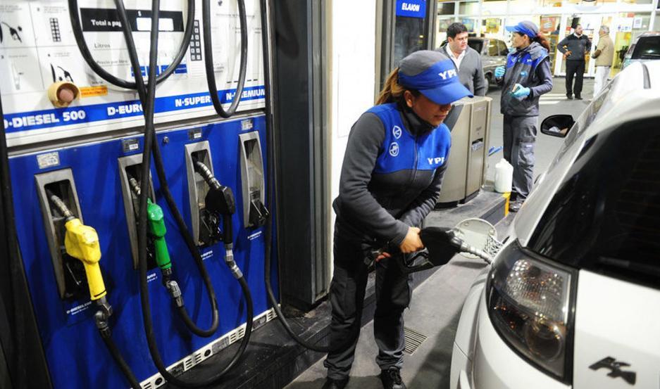 Para dentro de dos semanas se espera un incremento en los precios de los combustibles en el territorio nacional.