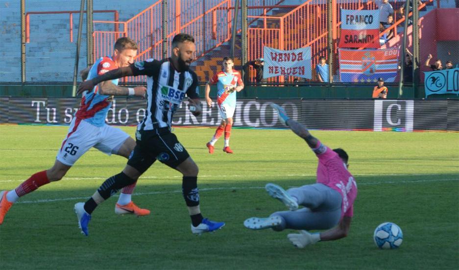 Jonathan Herrera marcó el 2 a 1, pero el Ferro no pudo aguantarlo y terminó igualando. Foto: Daniel Pérez (EL LIBERAL).