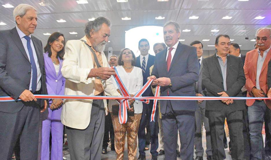 El vicegobernador, el jefe de Gabinete de Ministros y el presidente de la Feria habilitaron la muestra.