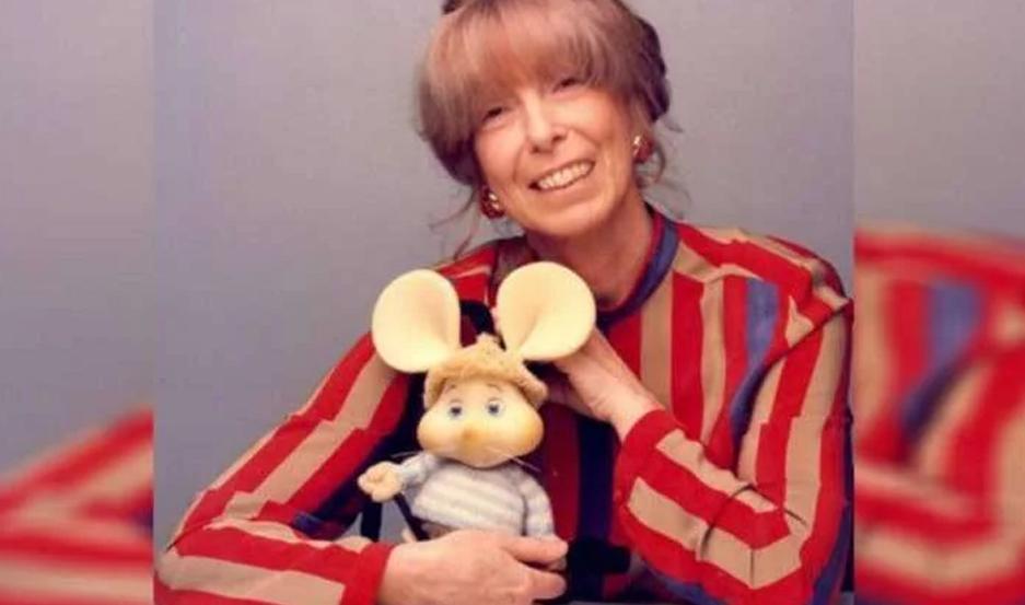 La creadora del Topo Gigio murió de un infarto en Milán, Italia.