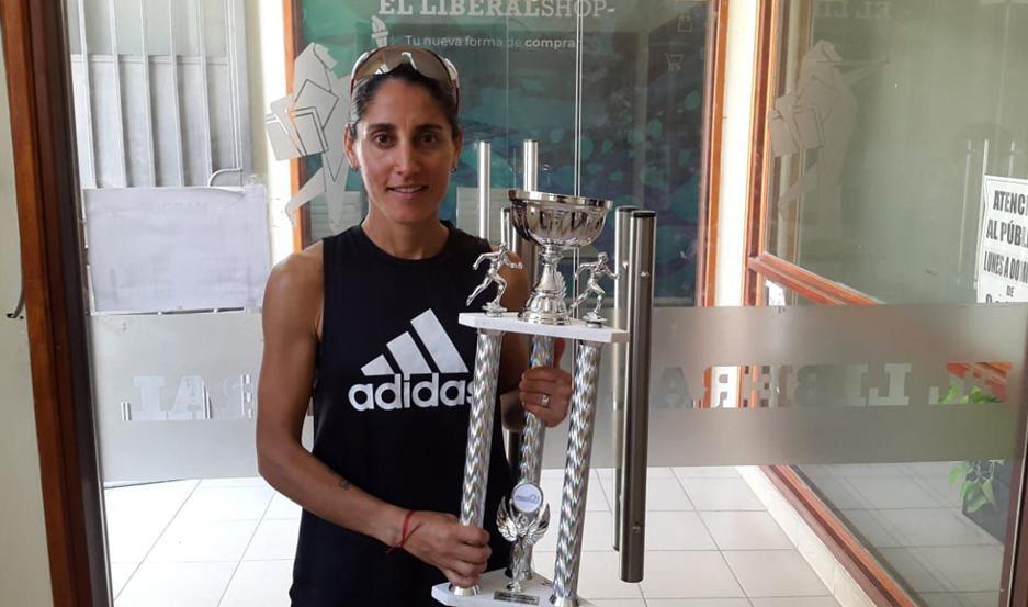 TRIUNFAZO. Rosa Godoy logró el primer puesto entre las damas.