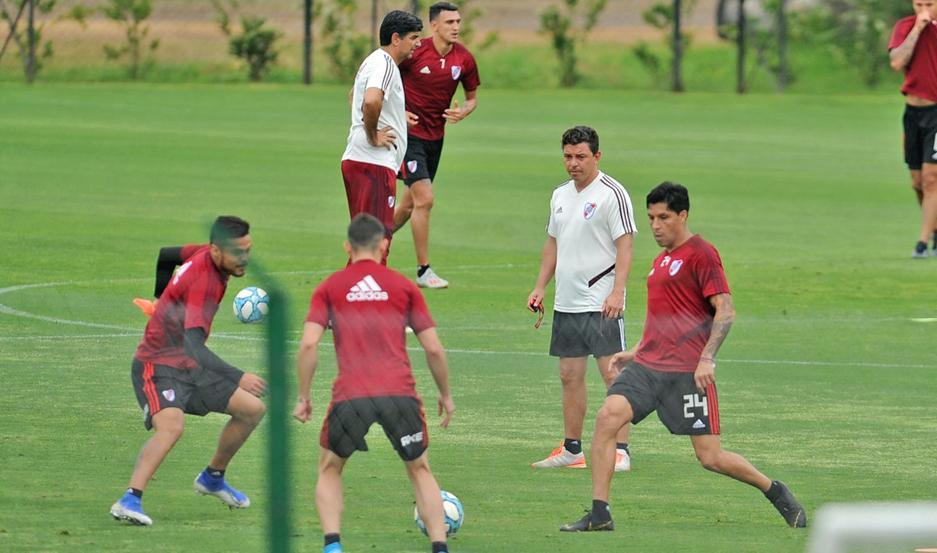 """El """"Muñeco"""" sabe que se le vienen días complicados, por lo que ya empezó a diagramar los trabajos de cara a la Copa Argentina y Libertadores."""