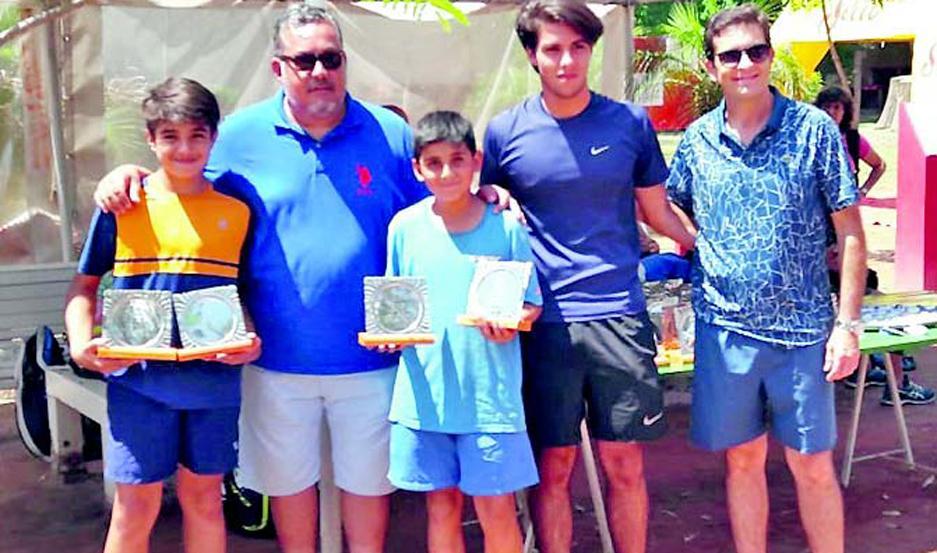 En el cierre, la Federación Santiagueña de Tenis hizo entrega de los correspondientes premios