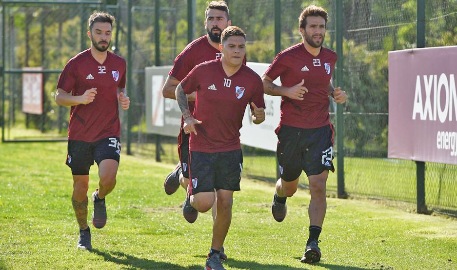 Tras la preocupación matutina, por la tarde se confirmó que Quintero podrá viajar hoy con sus compañeros. Ponzio, Pratto y Scocco también van.