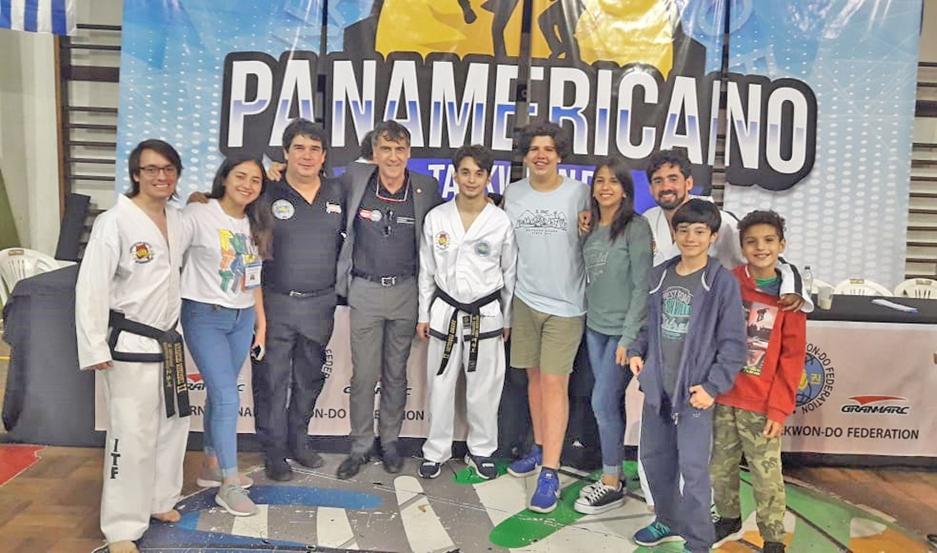 La delegación de Santiago cumplió una buena actuación en Uruguay, y se trajo varios premios del evento