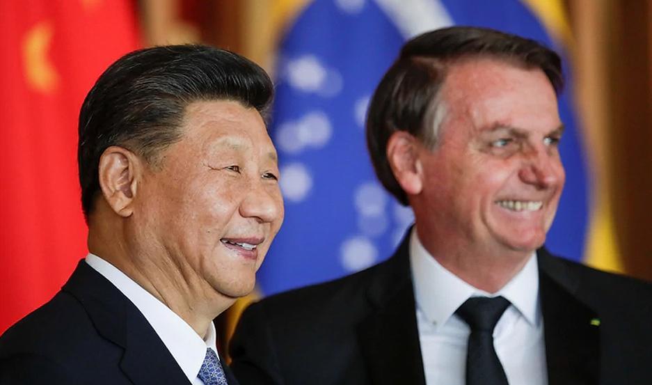 """Jair Bolsonaro sostuvo que China """"es un país muy destacado en el mundo y que forma parte del futuro de Brasil""""."""