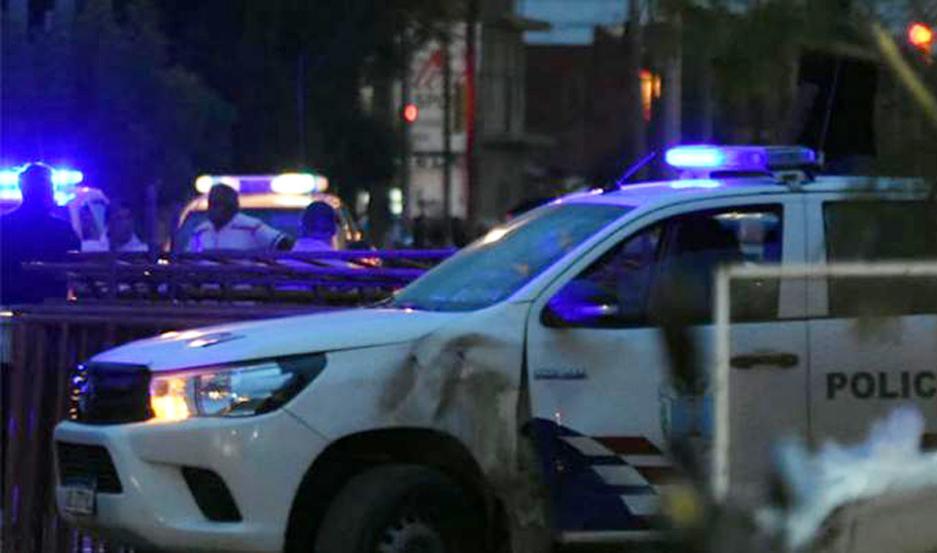 DESPLIEGUE. La Policía buscaba anoche al sospechoso por pedido del Dr. Diego Cortés.