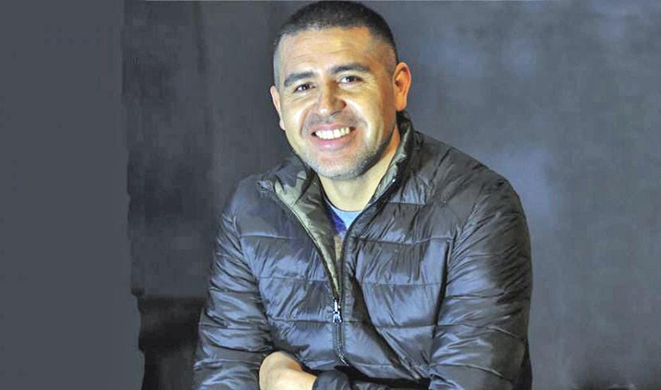 La decisión que tome Juan Román Riquelme definirá el rumbo de las elecciones en Boca. Abajo, el comunicado que emitió su hermano Cristian.