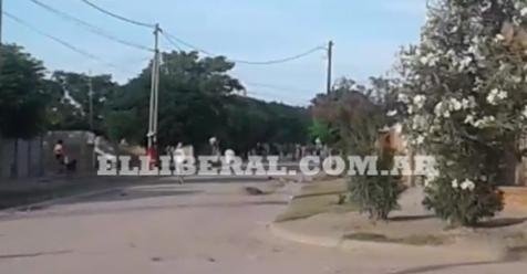 VIDEO | Violenta pelea en las calles del barrio El Paraíso de La Banda - Policiales | El Liberal - El Liberal Digital