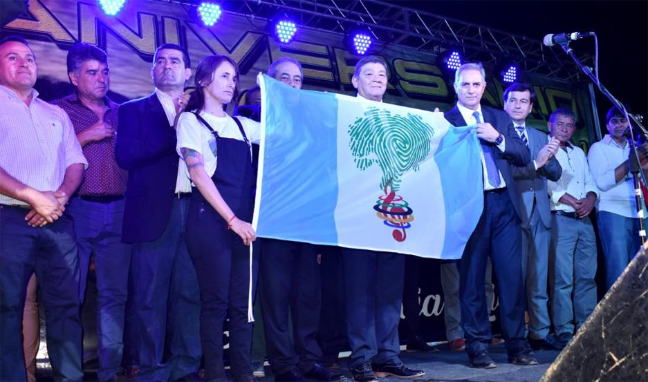 La ceremonia oficial fue presidida por autoridades del Gobierno de la Provincia, y de la comuna local.