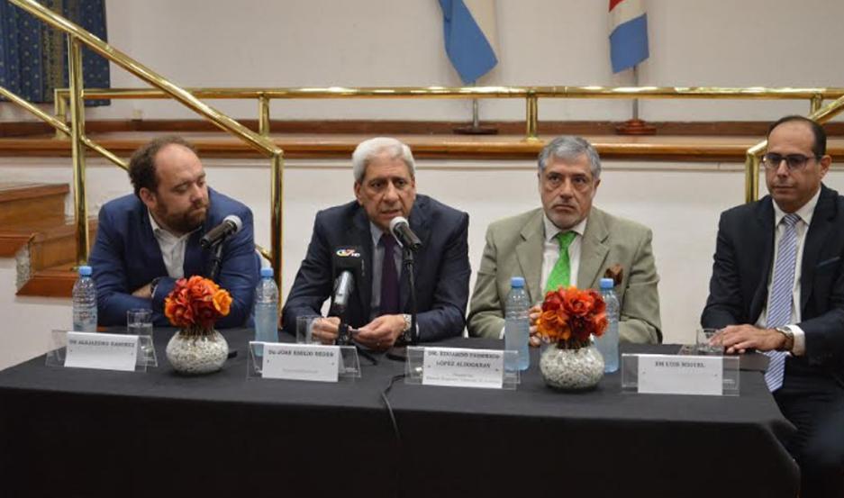 La nueva ley fue anunciada durante una conferencia de prensa, en Casa de Gobierno.