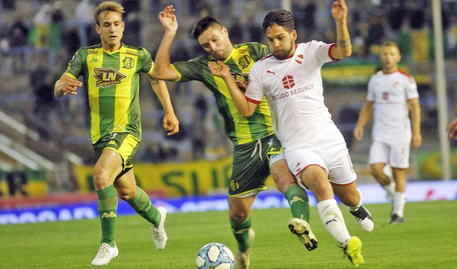 PARIDAD. Aldosivi e Independiente trataron de hacer prevalecer su juego, pero no pudieron concretar las acciones las oportunidades de gol.