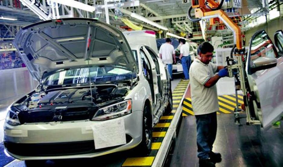 CAÍDA. Las terminales produjeron en noviembre 27.099 vehículos, 14,9 % menos respecto del volumen de octubre.