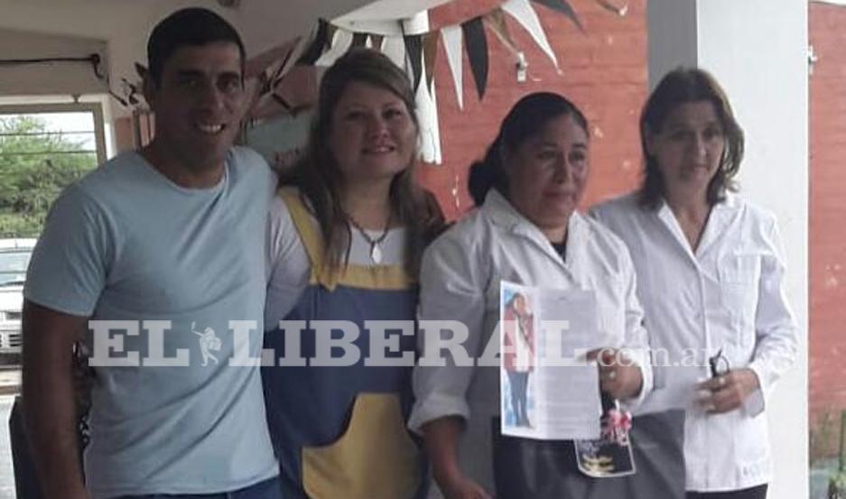 La comunidad docente de la Escuela Nº 146 le rindió homenaje a la Lic. Claudia Leiva.