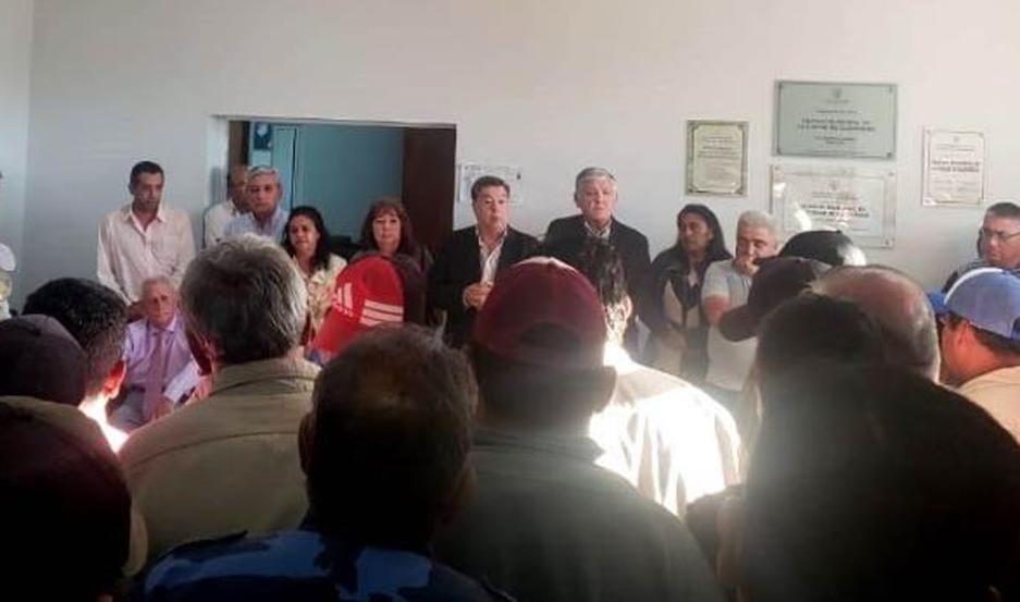 El intendente Herrera estuvo acompañado por miembros de su gabinete.