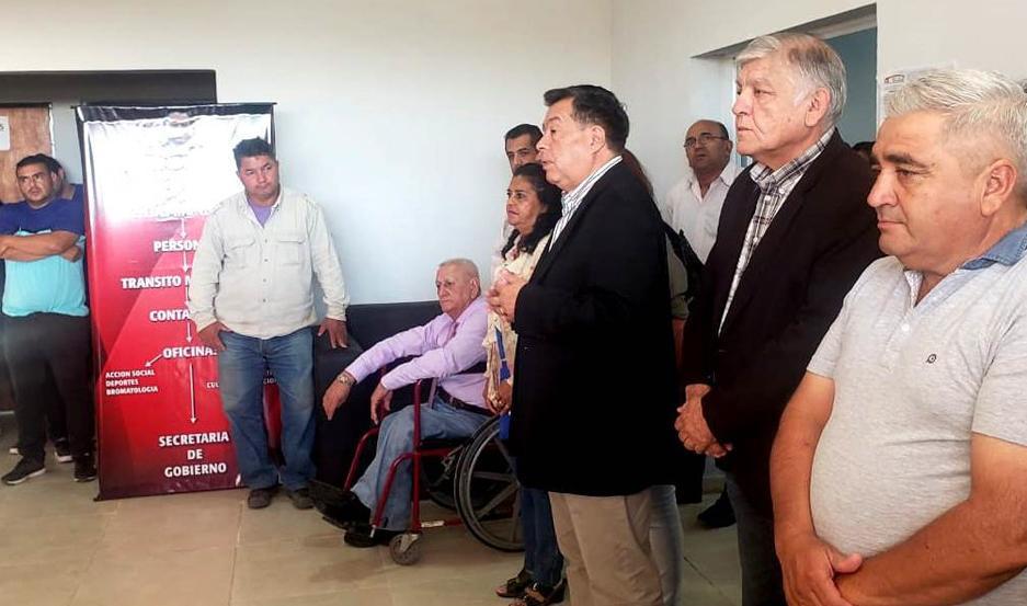 COMPROMISO. Herrera anunció a los trabajadores el pago de los $10.000.