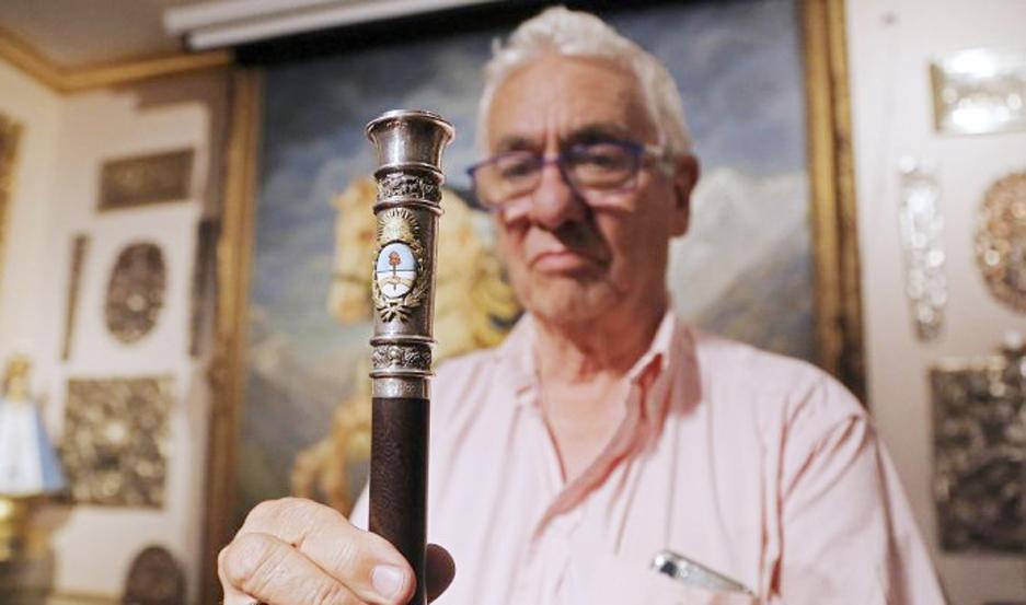 El reconocido orfebre Juan Carlos Pallarols contó detalles del bastón presidencial que confeccionó para el mandatario electo Alberto Fernández.