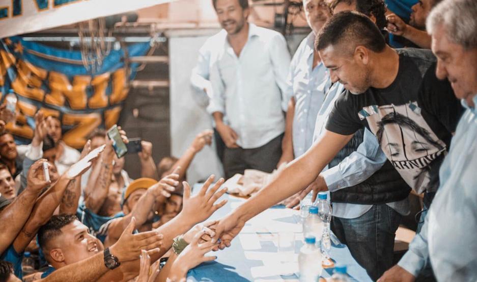 PRESENTE. Juan Román Riquelme comenzó a trabajar antes de haber asumido y ya está hablando con varios entrenadores.