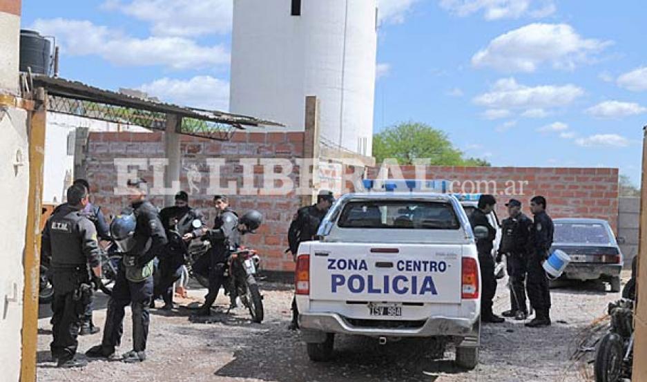 El incidente generó un amplio despliegue policial en la Comisaría Décima.