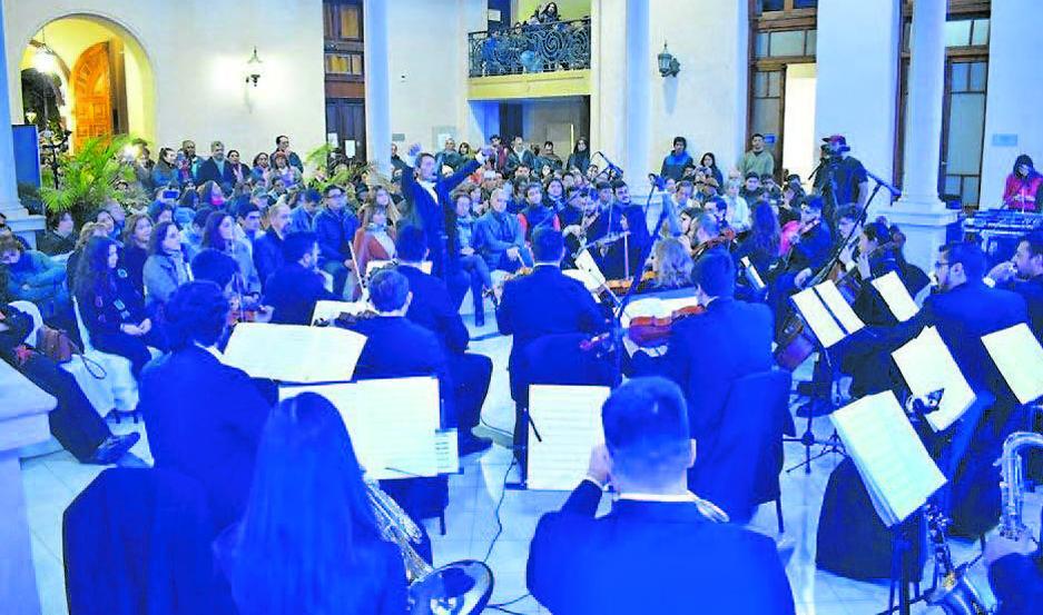 BANDA. Está conformada por distinguidos músicos santiagueños de reconocido prestigio.