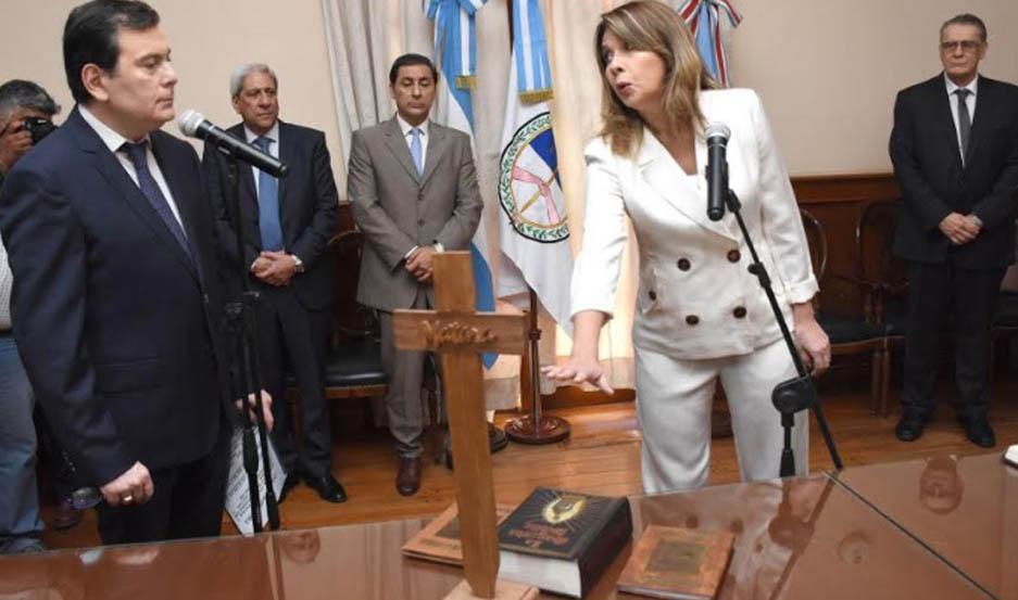 Los nuevos ministros prestaron juramento ante el gobernador Dr. Gerardo Zamora.