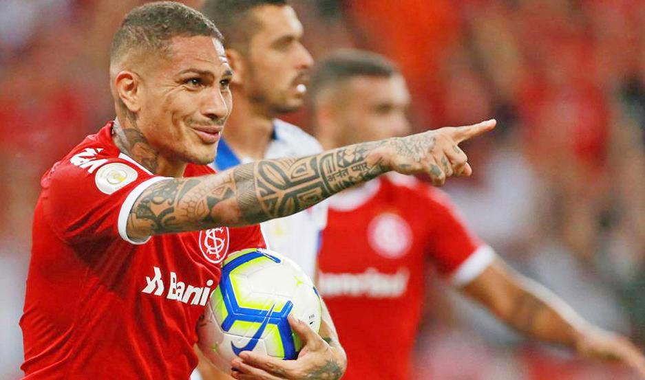 SITUACIÓN. El atacante peruano Paolo Guerrero comentó que no hubo una oferta de Boca, y que pretender continuar en el Inter de Porto Alegre.
