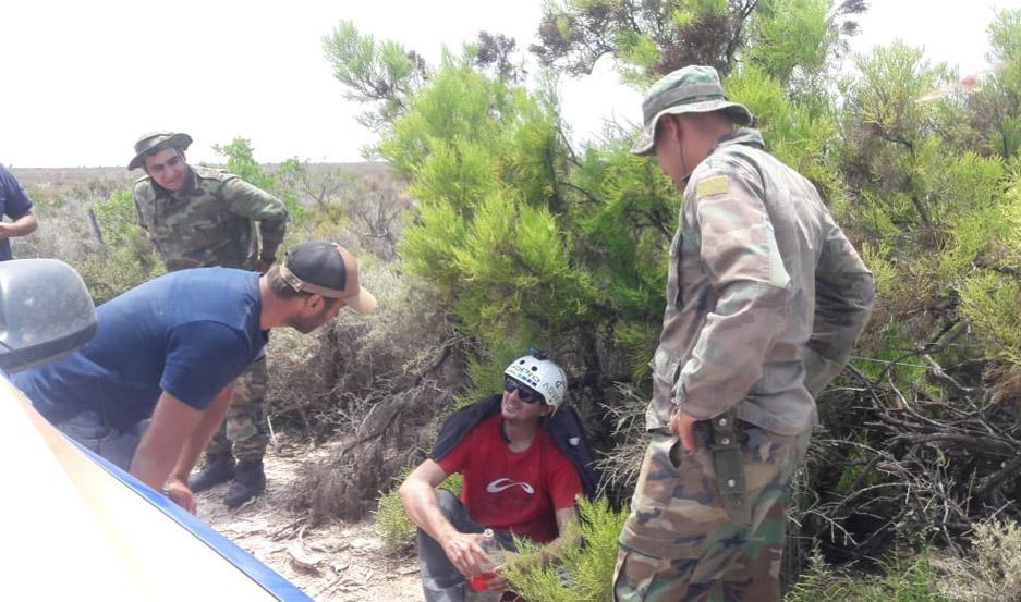 El parapentista fue encontrado sano y salvo, aunque deshidratado. Foto: Gentileza El Ancasti