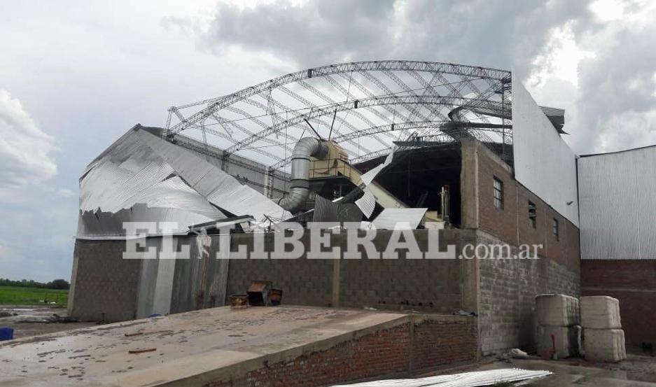Los daños fueron de consideración en la fábrica de algodón ubicada en El Simbolar.