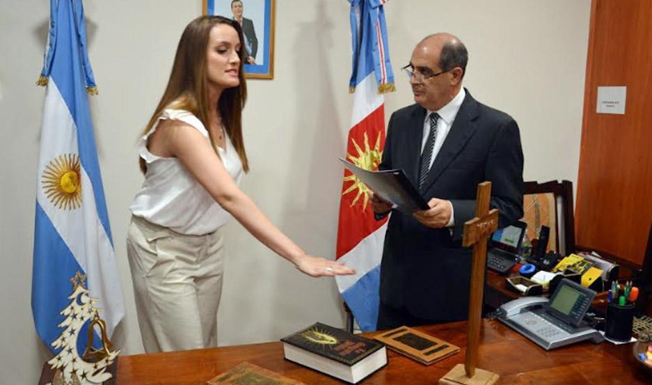 La Dra. Noelia Zanichelli al jurar como nueva titular de la Dirección de Bosques de la Provincia.
