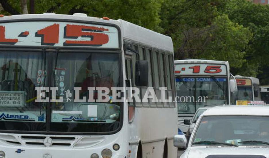 Después del mediodía, se volvió a normalizar el servicio de las líneas 15, 17 y 116.