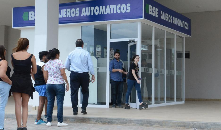 PAGOS. Los beneficiarios podrán percibir sus haberes desde cualquier cajero automático del BSE.