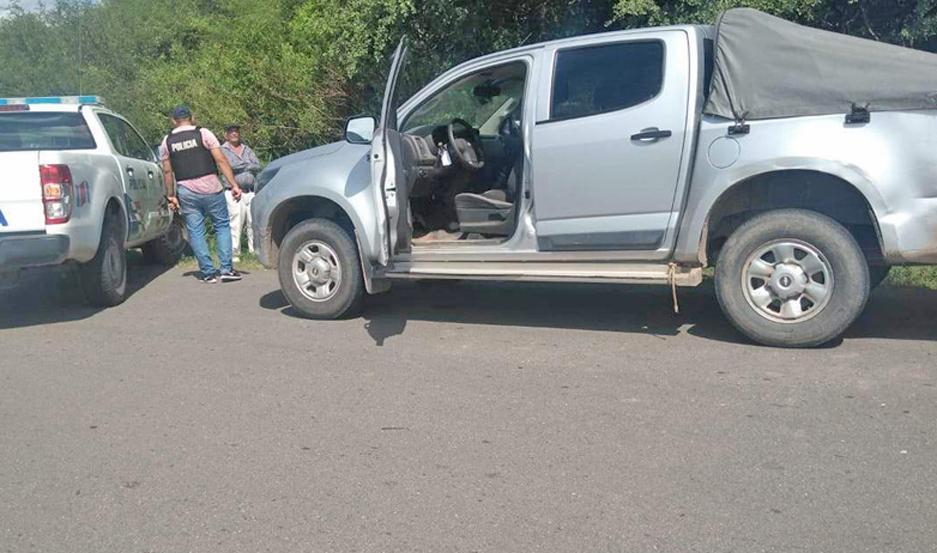 DESPLIEGUE. Móviles policiales de las dos provincias intervinieron para interceptar al conductor.
