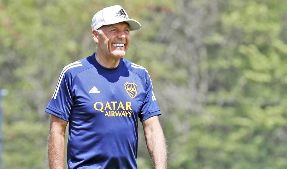CARISMA. La sonrisa de Miguel Russo es todo un sello en el entrenador de Boca, que afronta con alegría esta etapa luego de sus problemas de salud.