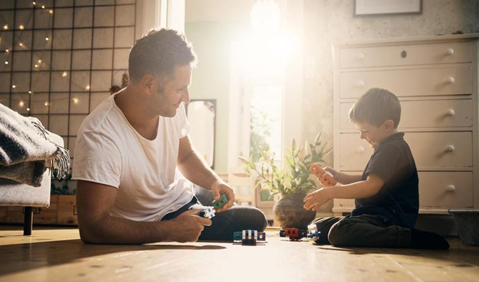 La mayoría de progenitores no dedica ni dos horas semanales a jugar con sus hijos.