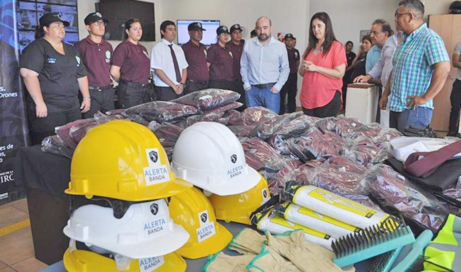 El intendente Mirolo tuvo a su cargo el acto de entrega en el Centro de Monitoreo municipal.