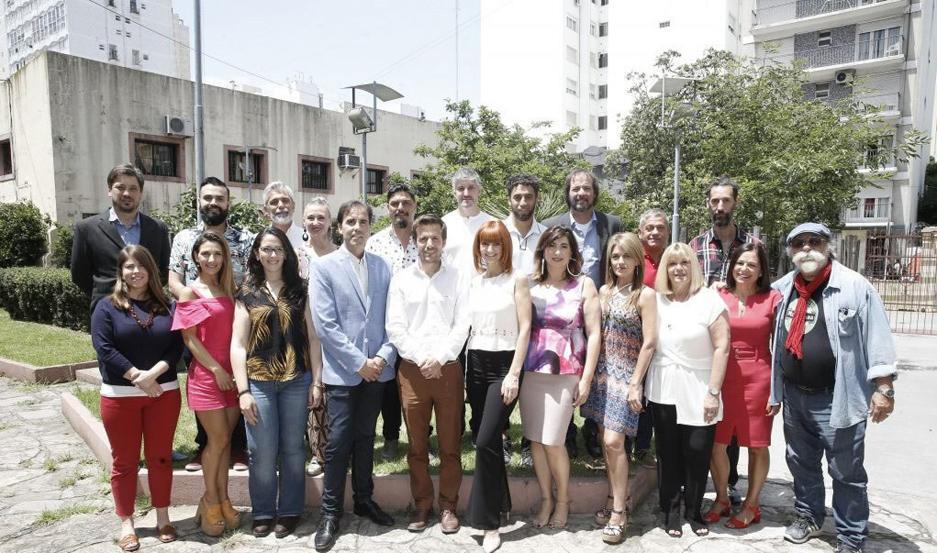 """El jurado evalúa los distintos espectáculos que hacen temporada en """"La Feliz""""."""