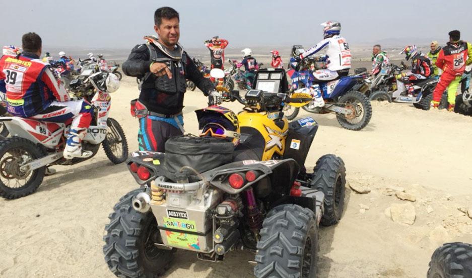 El piloto santiagueño hizo historia en su participación en el Rally Dakar, una de las competencias más extremas del mundo.