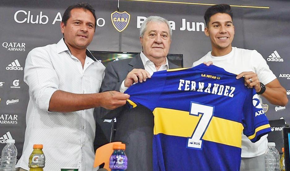 """ESPECIAL. """"Pol"""" Fernández fue presentado oficialmente ayer por el presidente Jorge Amor Amel y el ex jugador del club, Marcelo """"Chelo"""" Delgado."""