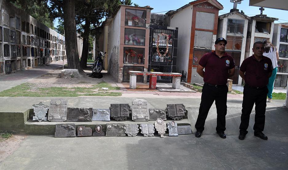 Robo de placas en un cementerio de la ciudad de La Banda.