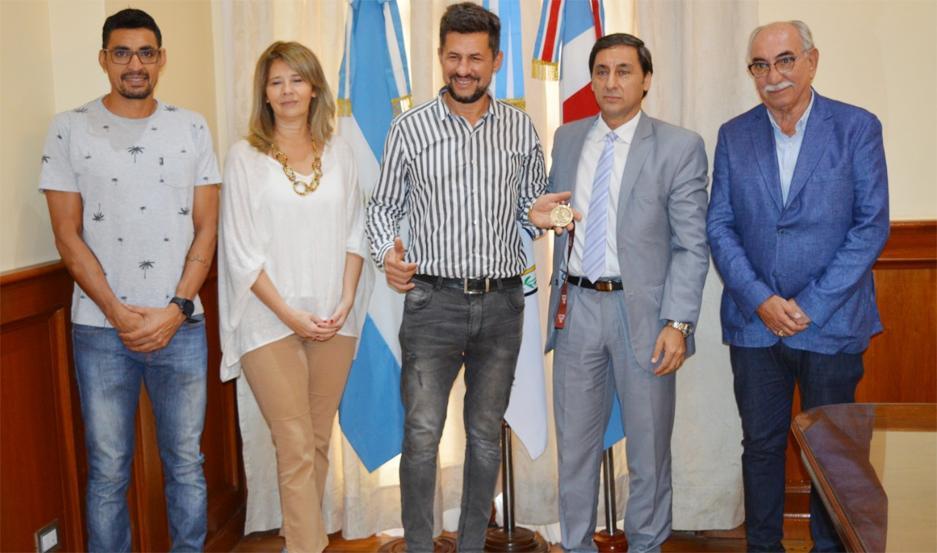 El ganador del Rally Dakar 2020 fue recibido por los funcionarios del Gobierno de la Provincia.
