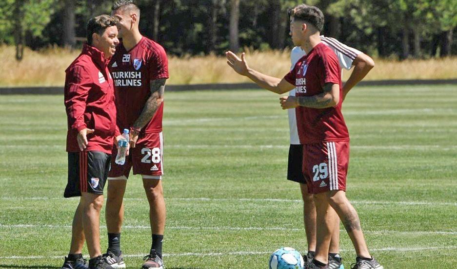 Gallardo aún no confirmó el equipo, aunque se descuenta que volverán a la titularidad Martínez Quarta y De la Cruz.
