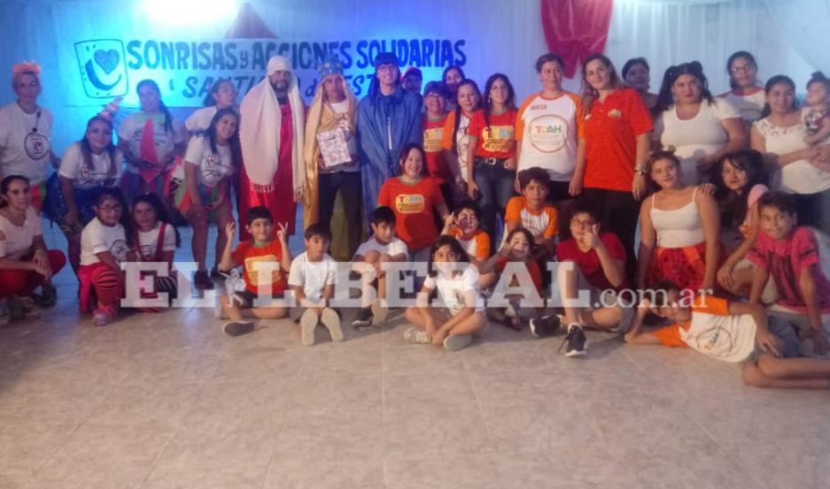 El evento para los niños se desarrolló en un salón del barrio Huaico Hondo.
