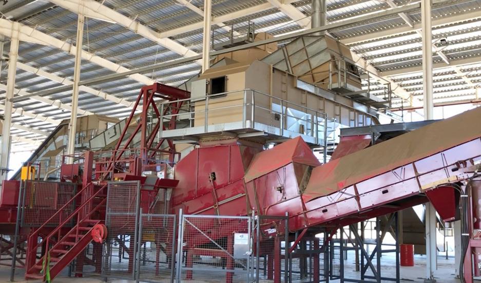 OPERATIVIDAD. Posee la secadora y prensadora más grandes del mundo.
