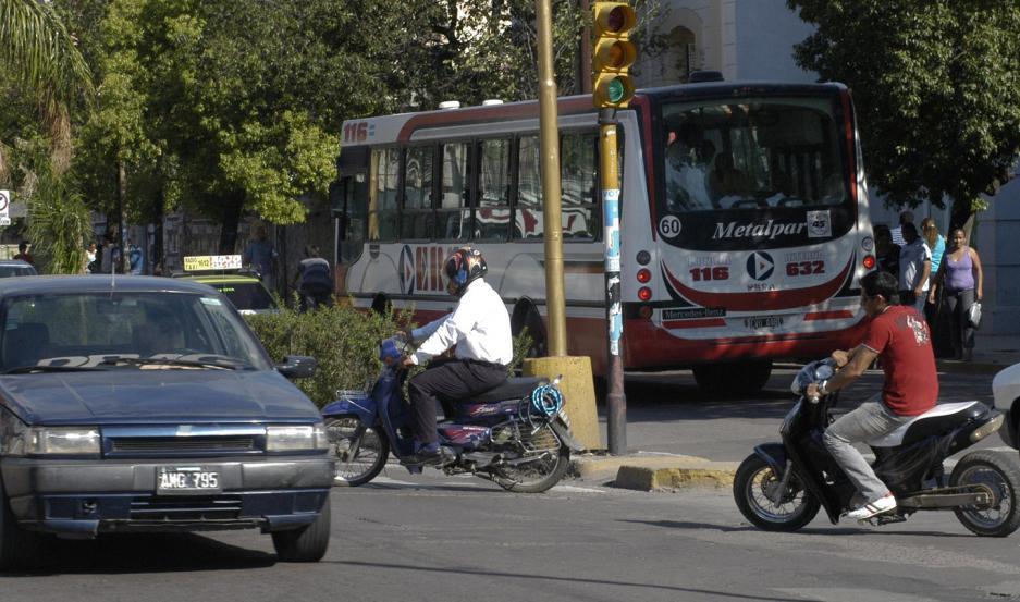 RIESGO. La Municipalidad advirtió de manera especial sobre el giro a la izquierda desde Belgrano a Dorrego.