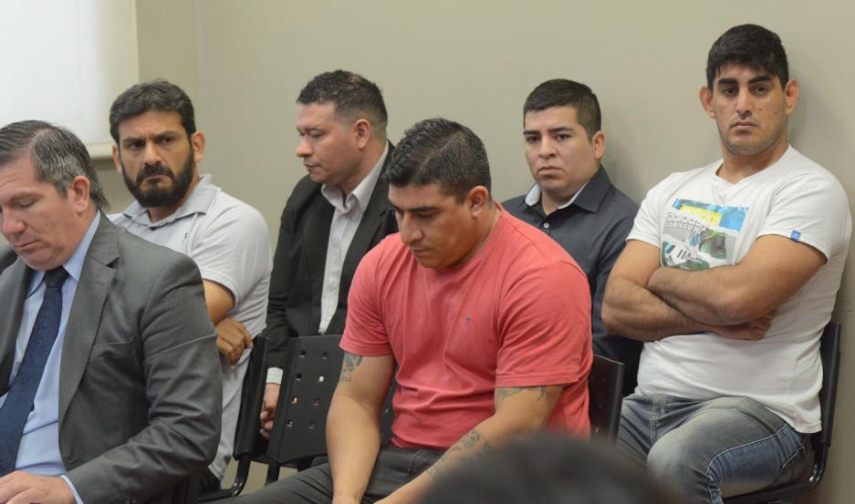 RADIOGRAFÍA. Los sospechosos permanecieron en la sala desde las 8 de la mañana hasta las 20. El juez Améstegui difirió su resolución.