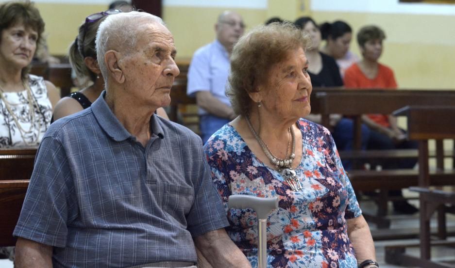 ¡VIVA EL AMOR!  Para aquella promesa de amor de hace 65 años, el tiempo no ha pasado. Todo es igual, o mejor, más fuerte, más sólido. Un San Valentín especial para Clara y José.