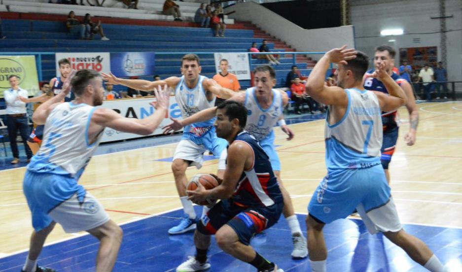 NO ALCANZÓ. Víctor Hugo Cajal jugó un buen partido, pero no pudo evitar la derrota de su equipo.